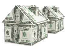 REAL ESTATE CROWDFUNDING VS TRADITIONAL REAL ESTATE INVESTMENT, AN
